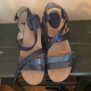 NWOT Abeo leather sandals